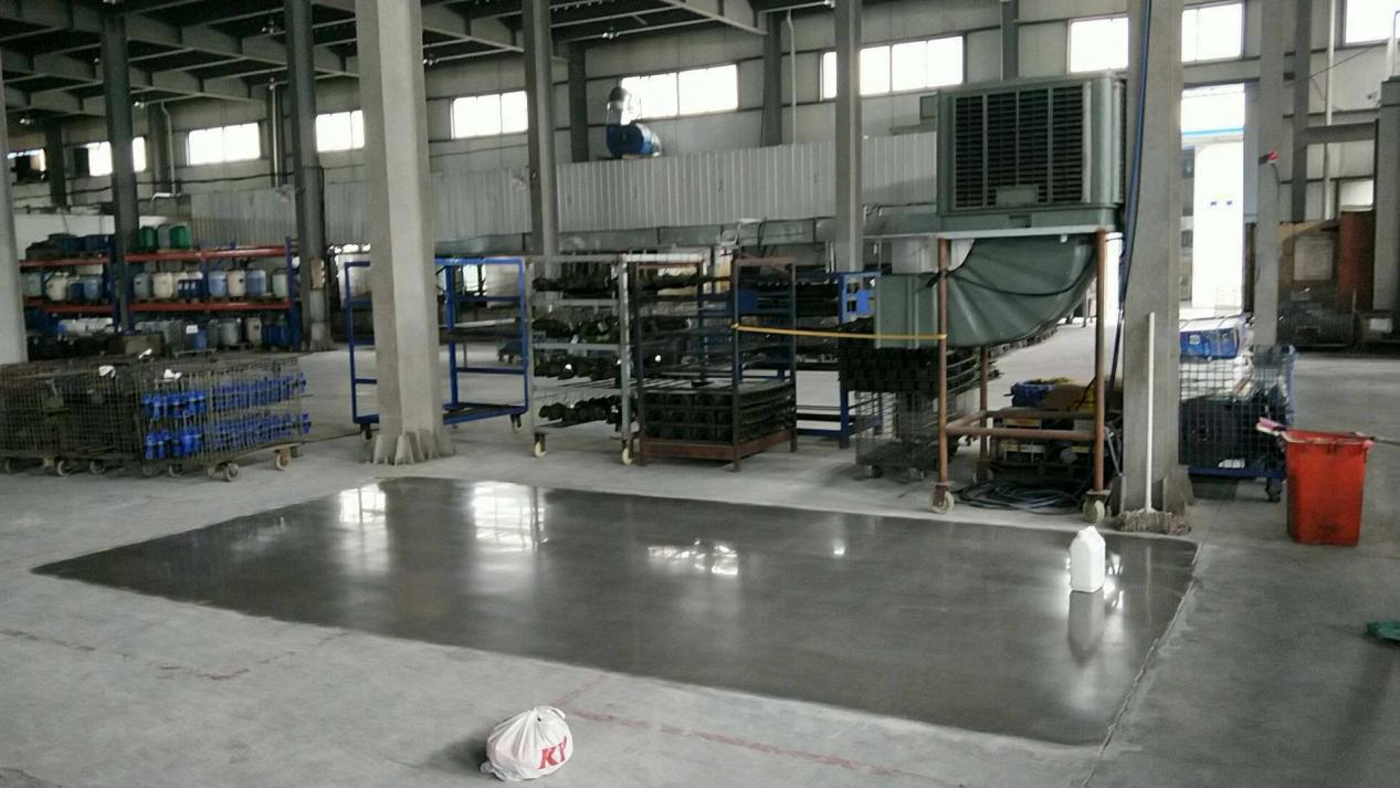 浙江一重工业厂房耐磨地坪做钢化