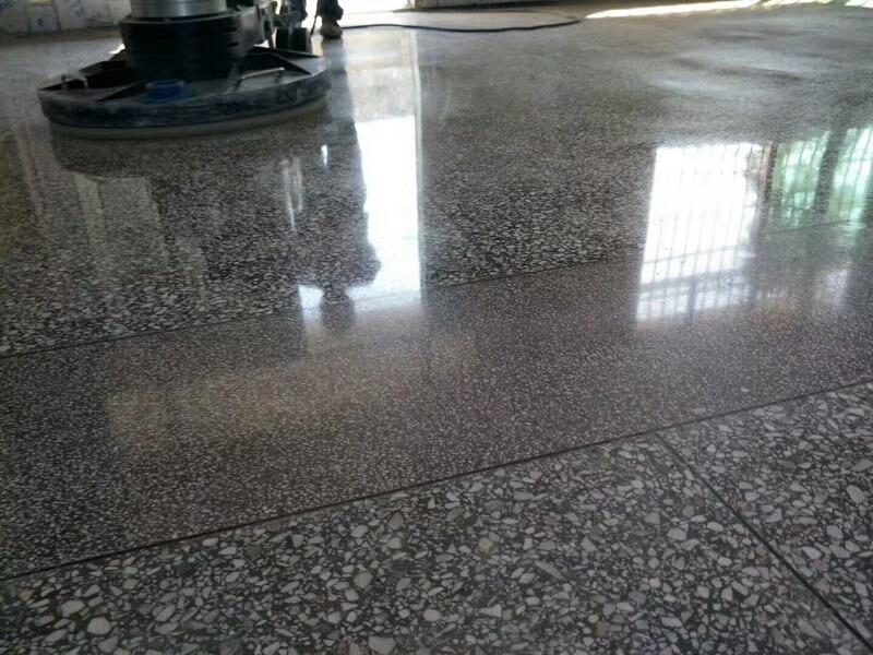 水磨石使用混凝土矽晶固化剂翻新过程